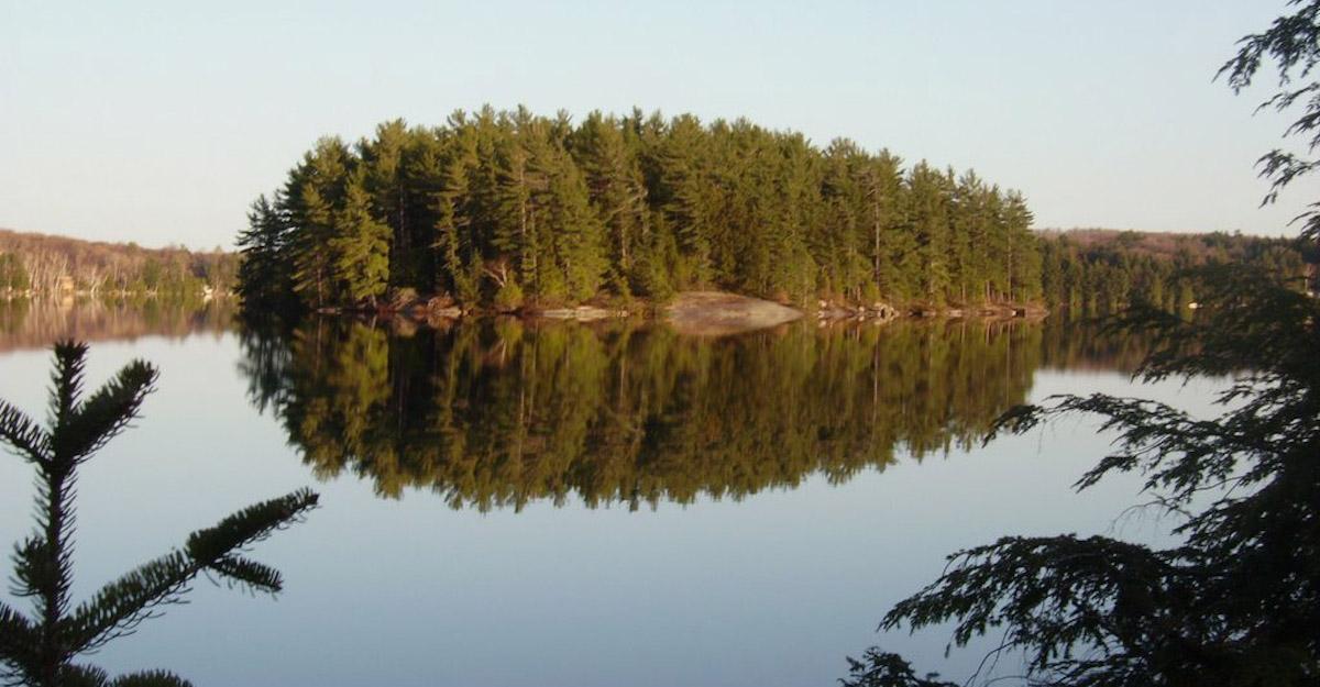 Horn Lake, Burk's Falls
