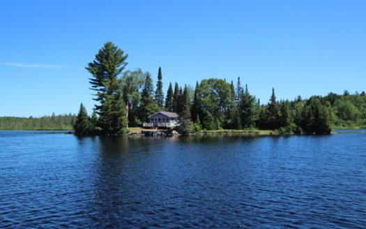 Cottage on Crawford Lake, Magnetawan